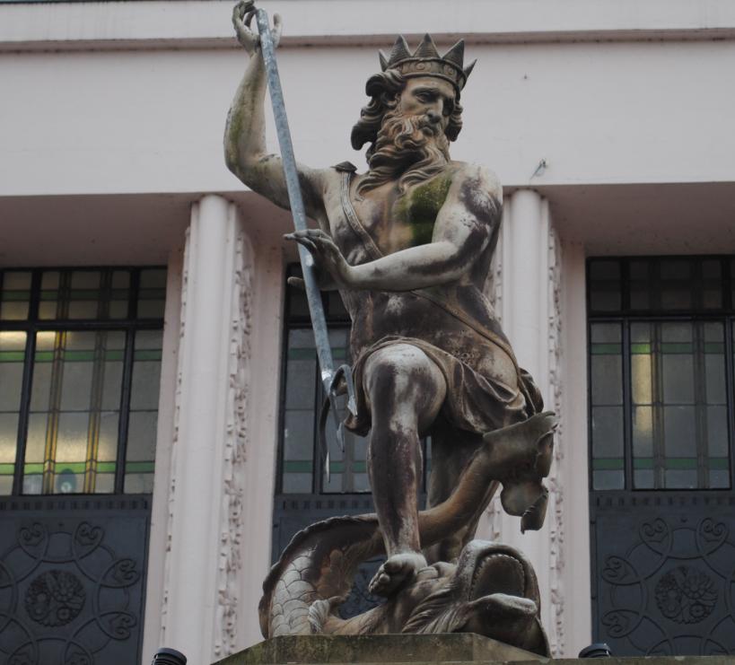 Statues   A Historical Hiatus